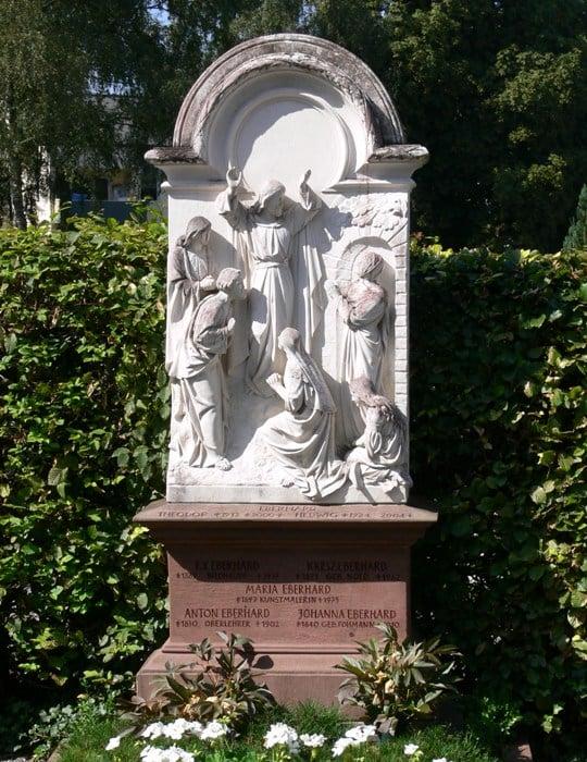 Grab Familie Eberhard Weingarten Kreuzbergfriedhof