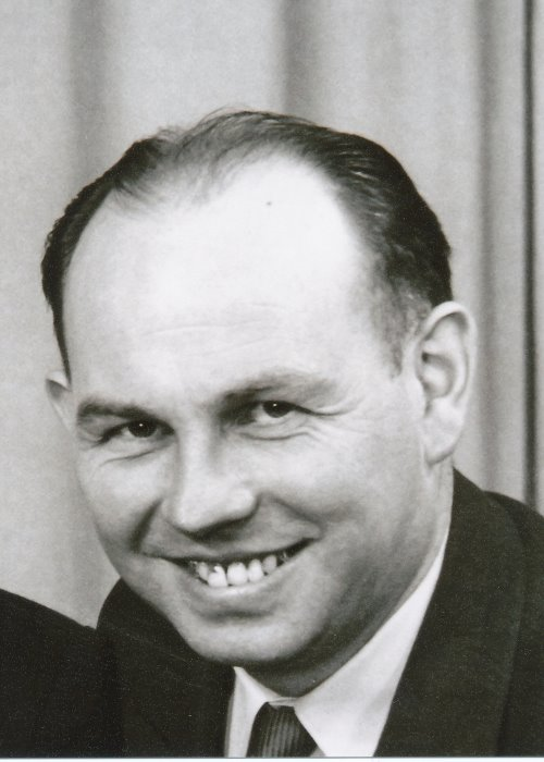 Kernbach 1949 700