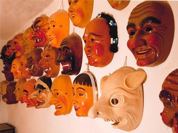 Hahn Masken 700