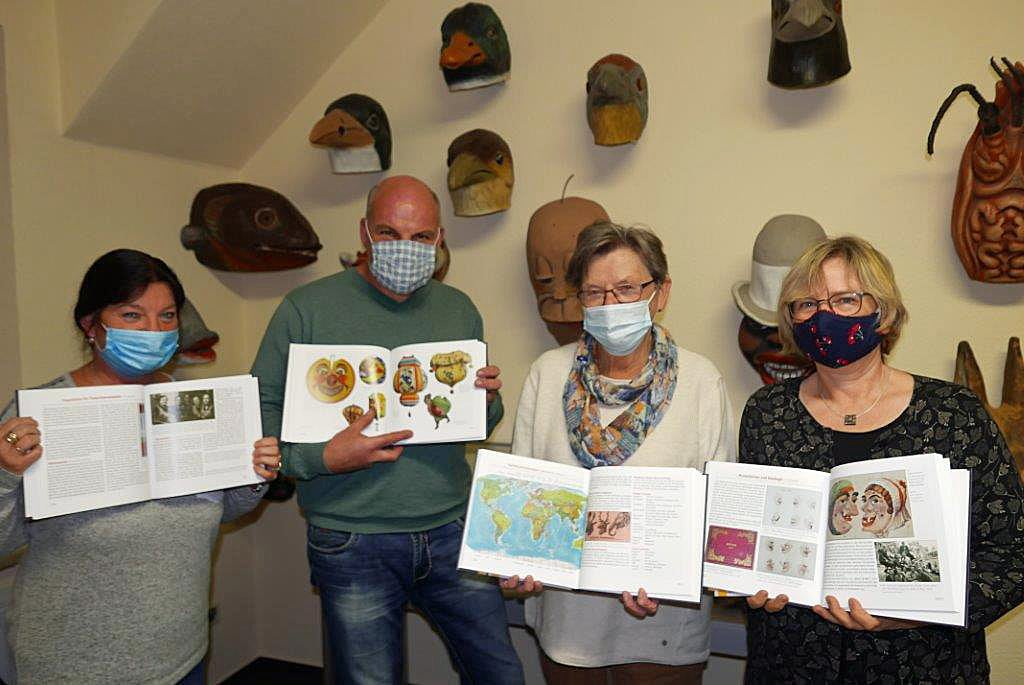 Maskenherstellung in Manebach