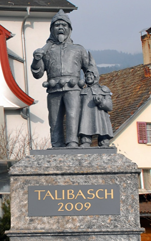 2009 Talibasch Denkmal 700
