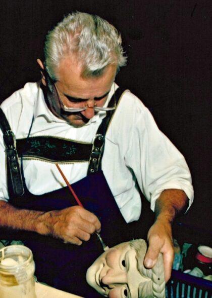 Bildhauer Maskenschnitzer Kleisl