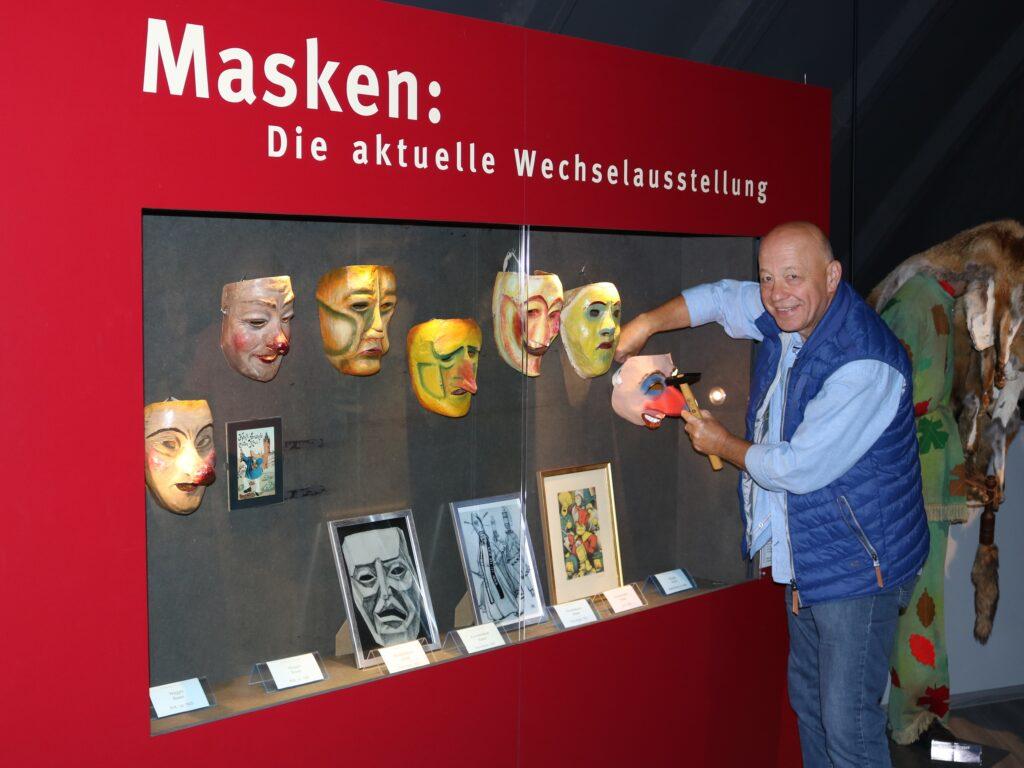 Narrenscopf Ausstellung Basel Wechselvitrine